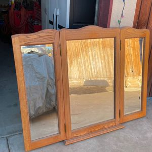 Tri Mirror That Use To sit On A Dresser for Sale in Hanford, CA