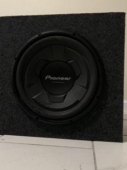 """PIONEER 12"""" 1200W Subwoofer W/ 1200W BOSS AUDIO Amplifier for Sale in Morgantown,  WV"""