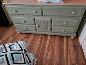 Dresser for Sale in Thaxton, VA