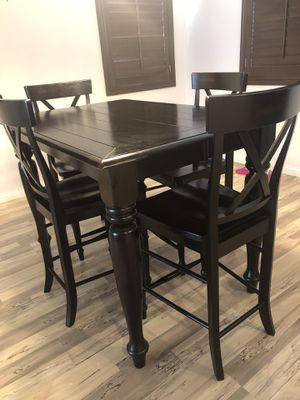 Bar height dining room table. for Sale in Las Vegas, NV