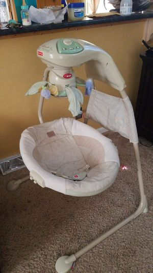 Baby swing fisher price for Sale in Greensboro, NC