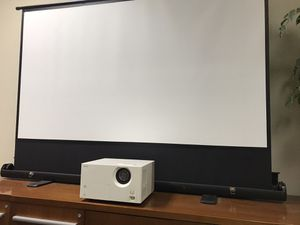 Epson projector with screen for Sale in Sunnyvale, CA