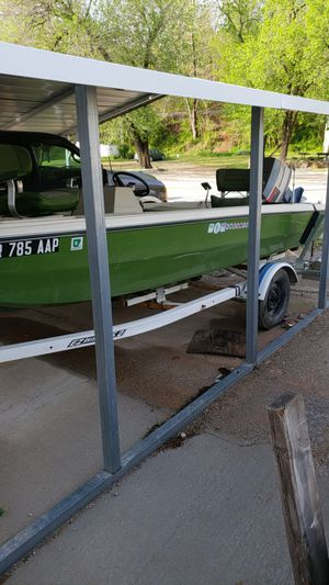 65 hp Evinrude 15 ft bass boat for Sale in US
