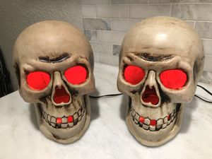 Light up large plastic skeleton Halloween decorations for Sale in Miami, FL
