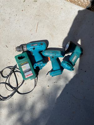 Makita cordless drill, impact wrench and flashlight *** needs battery for Sale in Glendale, AZ