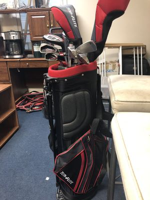 Golf set with new putts for Sale in Manassas, VA
