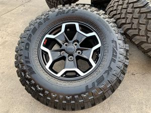 "17"" Jeep Gladiator Rubicon Wrangler Rims Wheels 285/70R17 Tires for Sale in Rio Linda, CA"