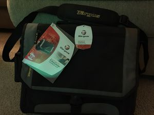 Targus Messenger Notebook Case - 17 inch for Sale in San Diego, CA