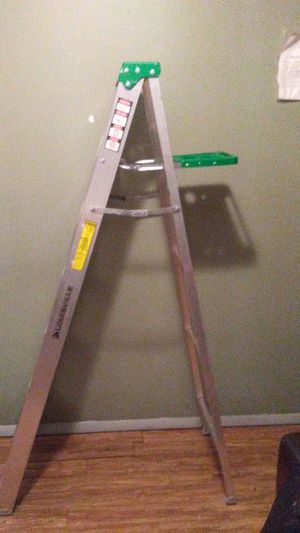 6 ft aluminum step ladder by Louisville 225 lb capacity rating cost $62 in Walmart will take 40 cash for Sale in Greenville, SC