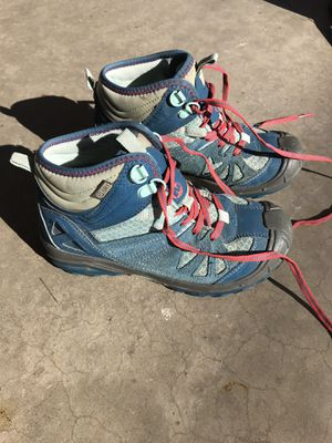Merrel girl's hiking boots 1.5m. Great condition! Gently used! Size for Sale in Phoenix, AZ