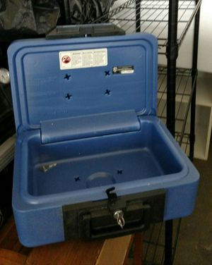 Sentry Safe 1100. Fire proof resistant for Sale in Pittsburgh, PA