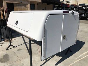F3-002 USED Snug Top CHU Camper Shell for Toyota for Sale in El Monte, CA