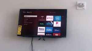 32 inch tcl roku tv with mount for Sale in Atlanta, GA