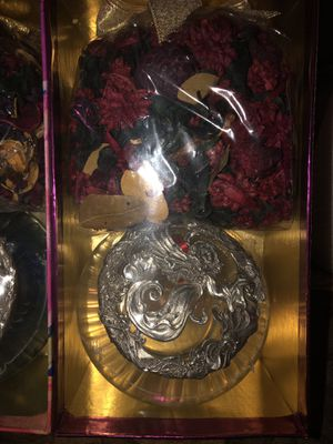 Antique Diamond cut fine pewter with potpourri for Sale in Atwater, CA