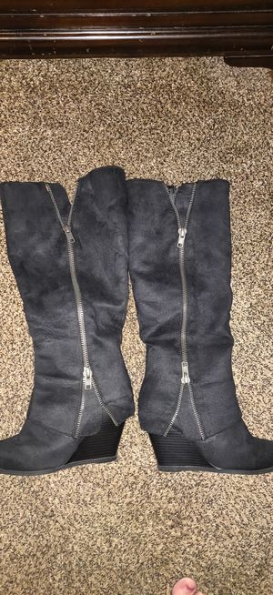 Suede dress boots size 9. Only worn twice for Sale in Brooksville, FL