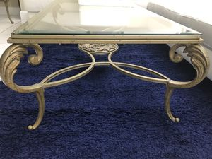 Center and corner table for Sale in Hialeah, FL