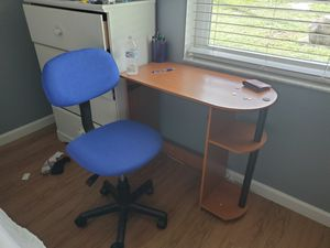 2 small desk and chairs for Sale in Melbourne, FL