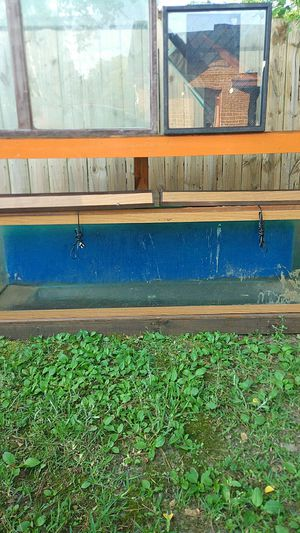 6ft Long Fish Aquarium plus stand for Sale in Montgomery, AL