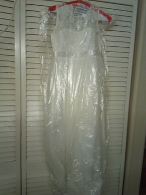 Flower girls dress. Size 8-10 for Sale in Spring Valley, CA