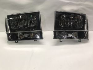 99-04 F-250/350/450/550 Super Duty 00-04 Ford Excursion headlight for Sale in Los Angeles, CA
