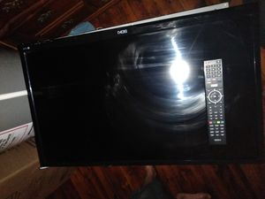 32/inch with remote nice tv for Sale in Cleveland, OH