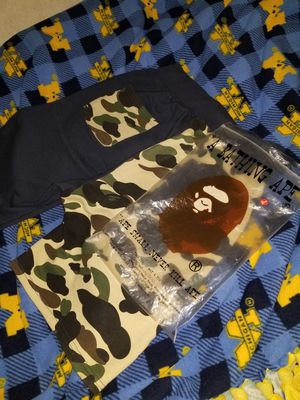 Large Bape shorts (New) comes with bag. for Sale in Arlington, TX