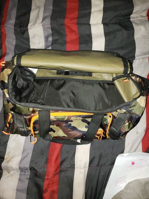 Puma Duffle Bag sports/outdoors for Sale in Elk Grove, CA