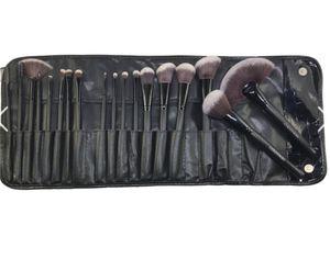 18pcs makeup brush set for Sale in Los Angeles, CA