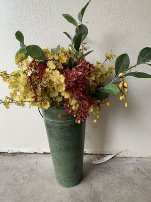 Flower Pot for Sale in Glendale, AZ