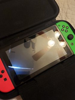 Nintendo SWITCH. with Minecraft Game, Carrying Case And Clip On Pocket Juice Battery Pack for Sale in Fort Worth,  TX