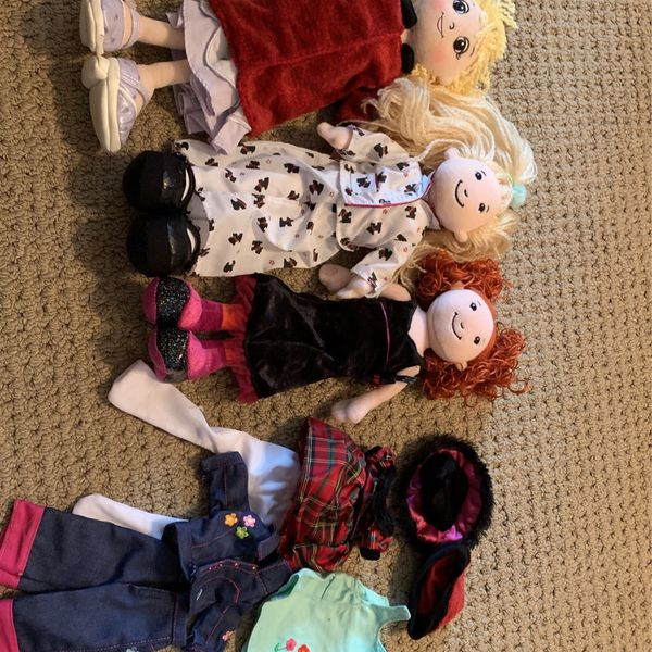 3 Groovy Girl Dolls And Accessories
