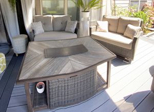 Outdoor furniture - Patio set for Sale in Woodburn, OR