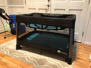 4Moms Crib/Pack and Play for Sale in Kent, WA