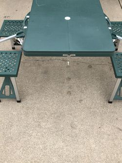 Portable Picnic Table For 4 for Sale in Washington,  IL