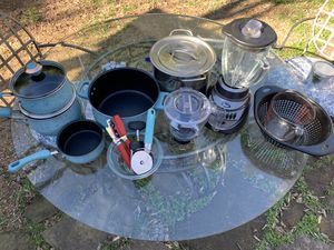 Starter kitchen set for Sale in Austin, TX