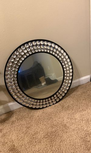 Beautiful Mirror wall piece for Sale in Valley View, OH