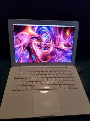 Macbook with Adobe Final Cut Pro X Microsoft Office 2.26GHZ FaceTime Siri Bluetooth Excel Garage Band Excel speakers 4GB Memory 250gb & charger for Sale in Minneapolis, MN