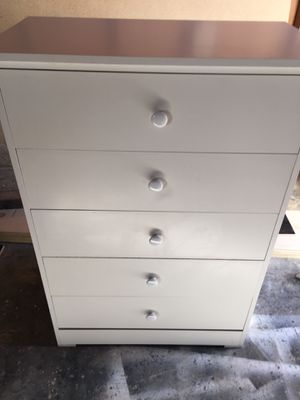 Dresser $100 for Sale in Fresno, CA