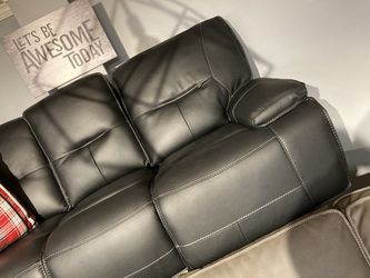 NEW BLACK POWER RECLINING SOFA for Sale in Nashville,  TN