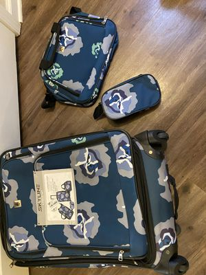Skyline Travel Set for Sale in Mooresville, NC