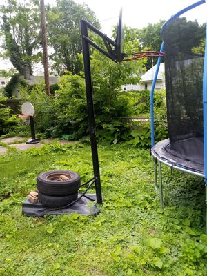 Basketball hoop for Sale in Bloomington, IL