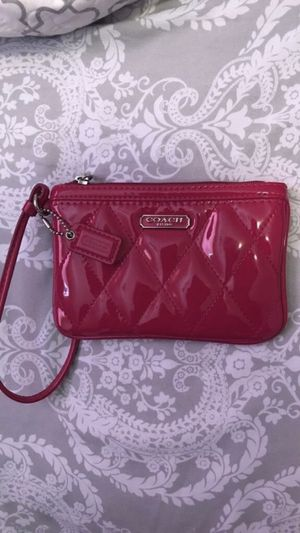 Coach wristlet hot pink $27 for Sale in Pflugerville, TX