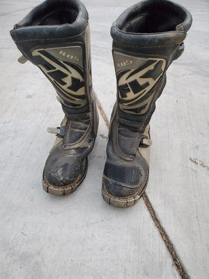 FLY RACING MEN'S 805 MOTOCROSS/ATV OFF-ROAD BOOTS  ( SIZE 12 ) Missing 1 clip for Sale in Montclair, CA
