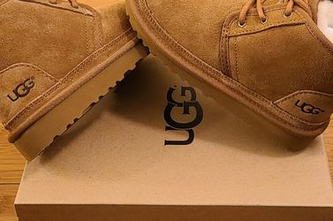 UGG Shoes Size 9t And 10t Toddlers. for Sale in Lynwood,  CA