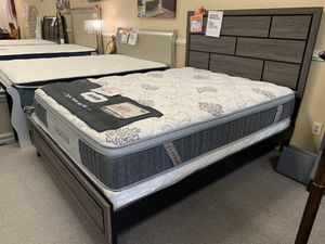 AMAZING GREY AND BLACK WOODEN QUEEN BEDROOM SET WITH EVERYTHING INCLUDED!!! EASY FINANCE WITH NO CREDIT CHECK!!! for Sale in Raleigh, NC
