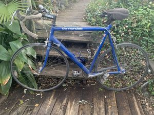Cannondale Road Bike - Aluminum Frame for Sale in Austin, TX