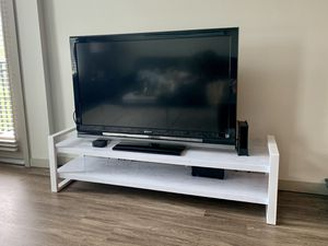Sony TV - TV Stand (Set or Separate) for Sale in Maitland, FL