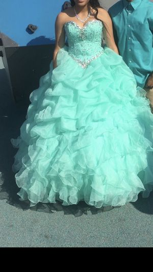 Quinceanera dress for Sale in Balch Springs, TX