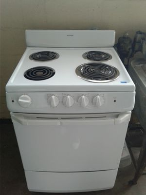 Apartment size High Point coil top stove for Sale in Tampa, FL
