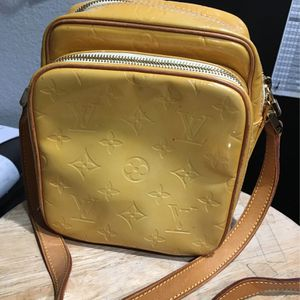 Louis Vuitton Yellow Vernis Wooster for Sale in Temecula, CA